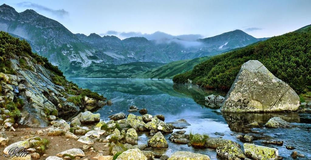 Good morning, mountains. by miirex
