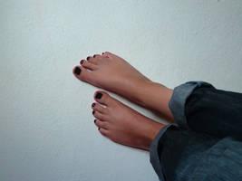 My feet with black nail polish by KarinaDreamer