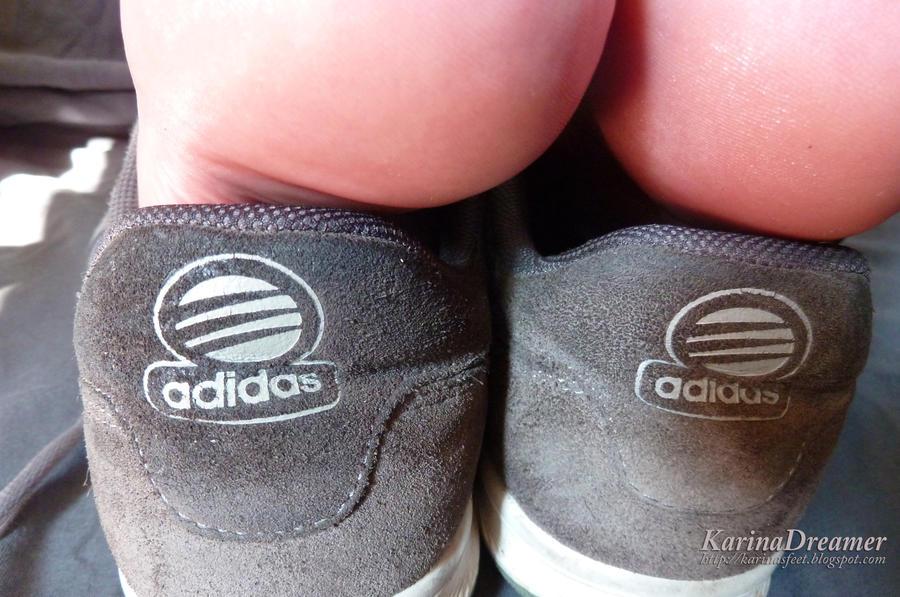 how to help sweaty feet