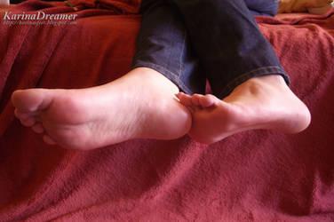 My feet again! by KarinaDreamer