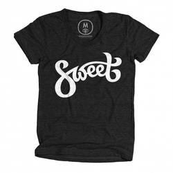 Sweet-Tee-Design-by-Dalius-Stuoka-woman-585x58