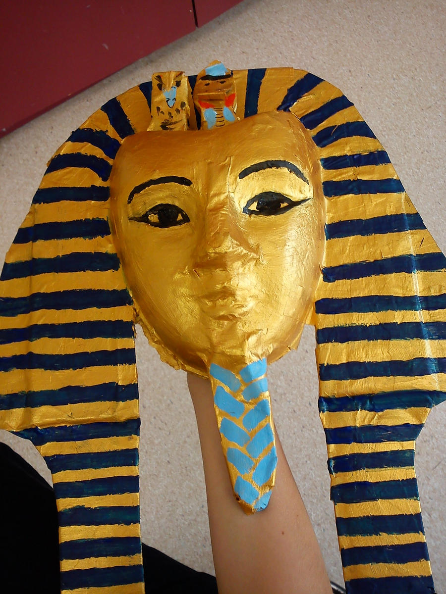 Tutankhamuns death mask by alyssiajayde on deviantart for King tut mask template