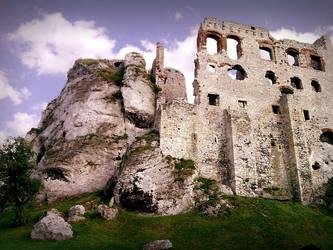 Ruins pt.1 - Ogrodzieniec (Poland) 23.06.12 by kropka-x