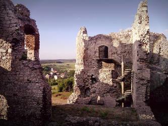 Ruins pt.2 - Ogrodzieniec (Poland) 23.06.12 by kropka-x