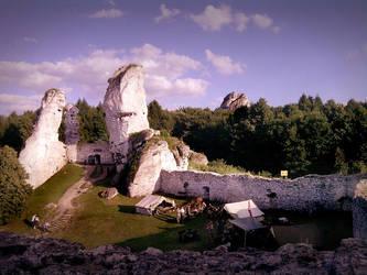 Ruins pt.3 - Ogrodzieniec (Poland) 23.06.12 by kropka-x