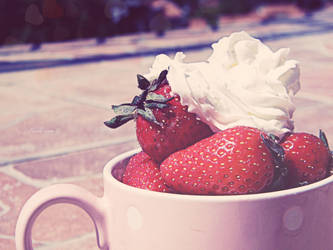 Have a cup of strawberries by Tharwaithiel