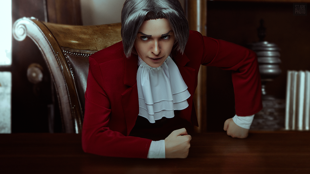 Miles Edgeworth cosplay [10/13] by Jehan-Lavellan