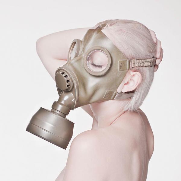 Gasmasken Page 01 'C-Maske' by acrid-placidity