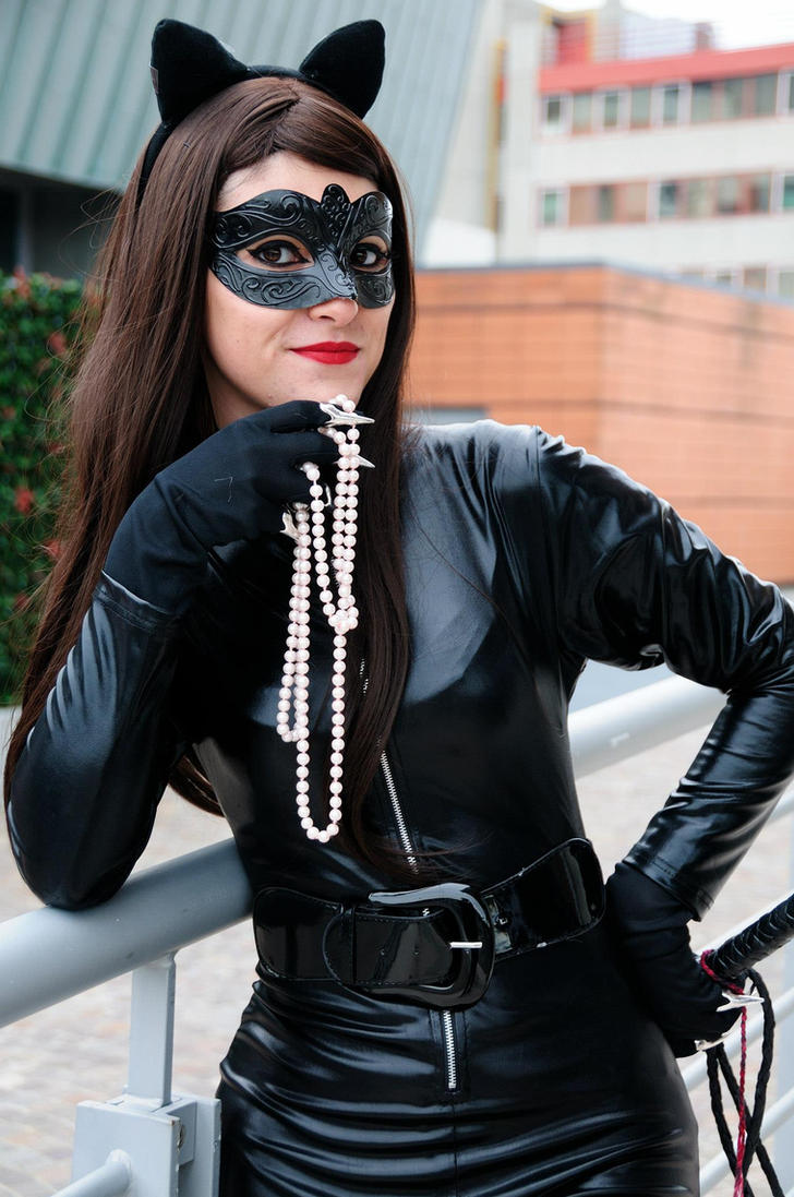 Catwoman by Menestrella