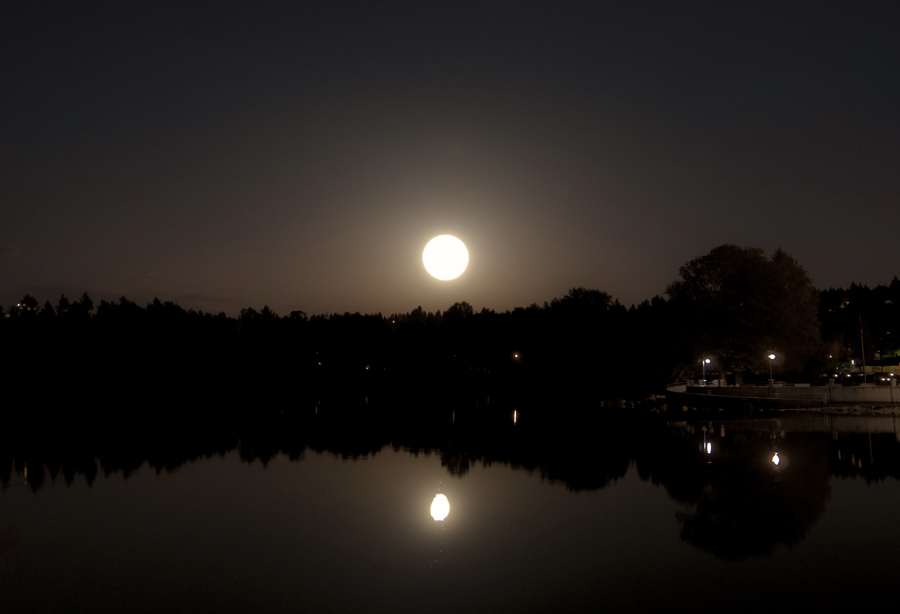 Supermoon May 5 2012 in Port Moody by Violet-Kleinert