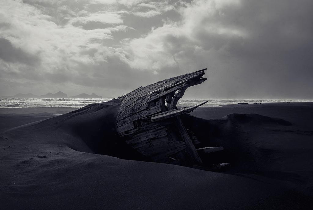Stranded in my dreams by Annie-Bertram
