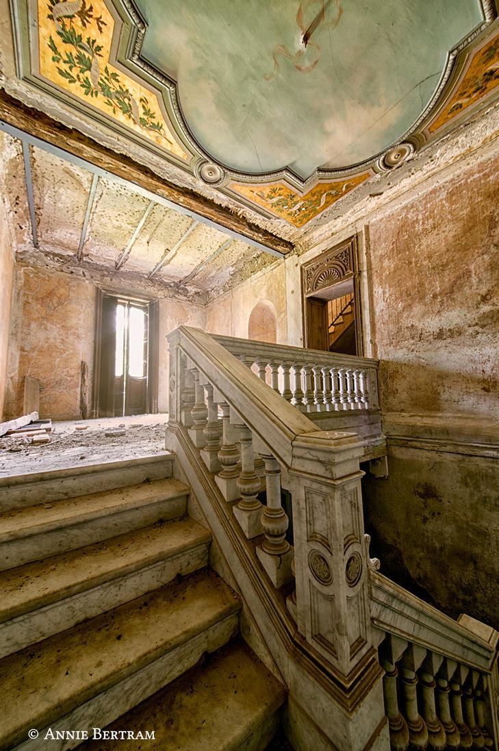Villa die Pappagalli by Annie-Bertram