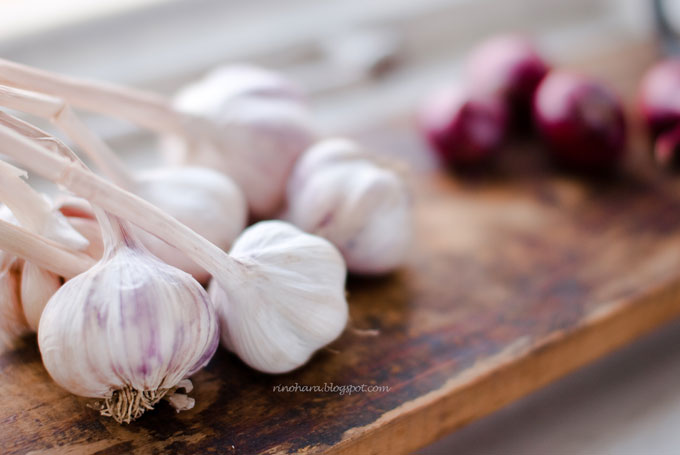 Garlic by cheshirekster