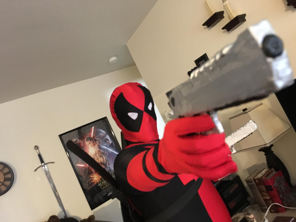 Deadpool Cosplay with Weapons by j0wey