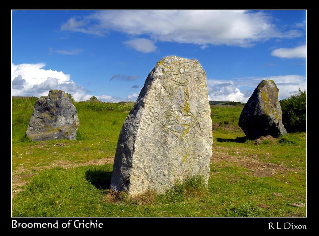 Broomend of Crichie rld 02 by richardldixon