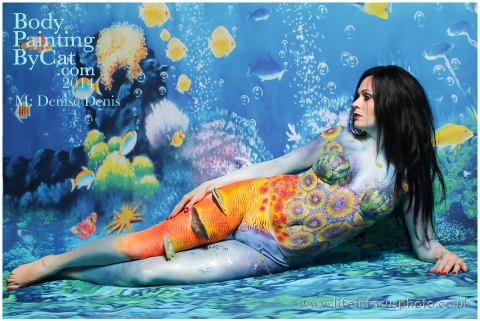 UK FB CON Denise reef side underwater bodypaint by Bodypaintingbycatdot