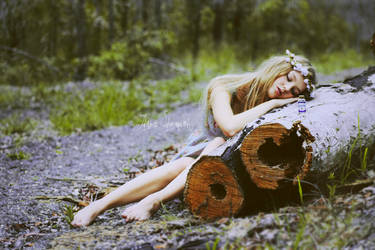 Sleepy Alice by juliadavis