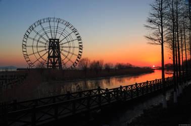 Cold winter sunset beside Lake Tai hu