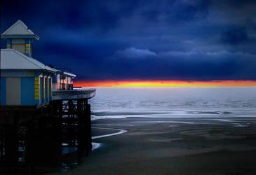 Blackpool North Pier by photonig