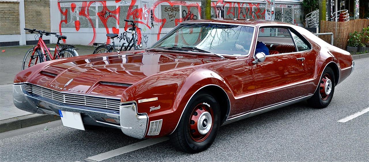 Oldsmobile Toronado by cmdpirxII