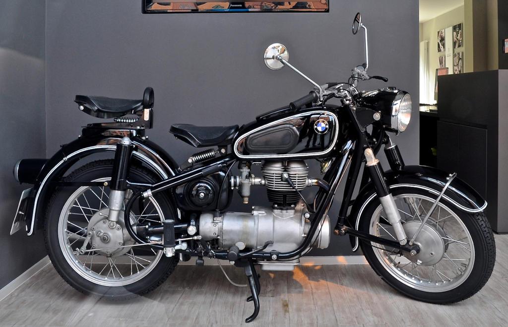 Vintage BMW by cmdpirxII