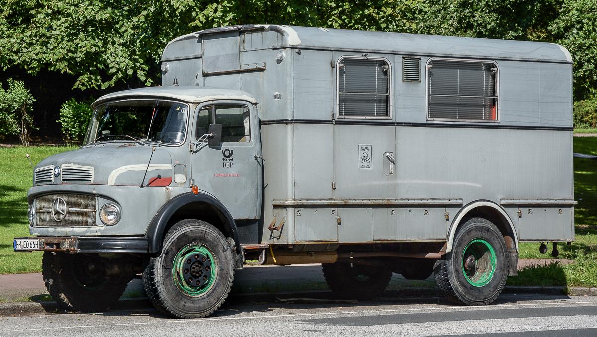 Old mercedes truck by cmdpirxii on deviantart for Old mercedes benz trucks