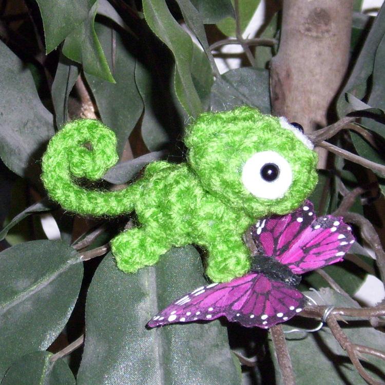 Mini Pascal Crochet Plushie by happysquidmuffin