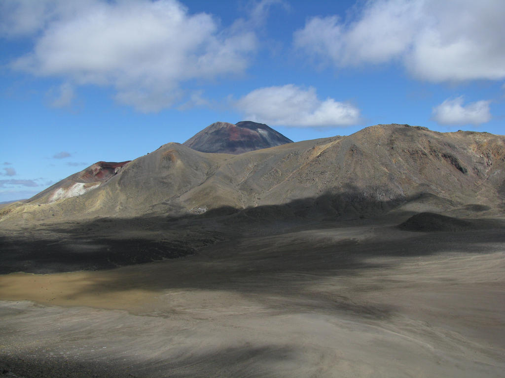 Tongariro Crossing by DuffMan256