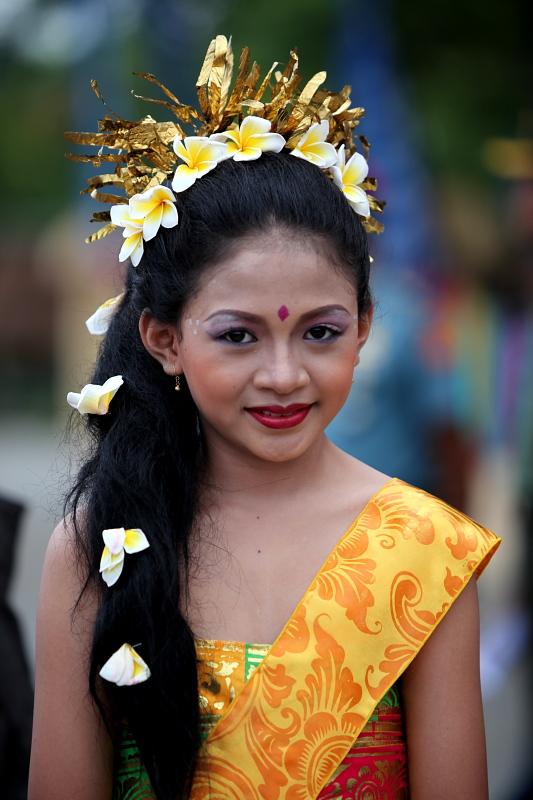 Gadis Bali by rosekampoong on deviantART.