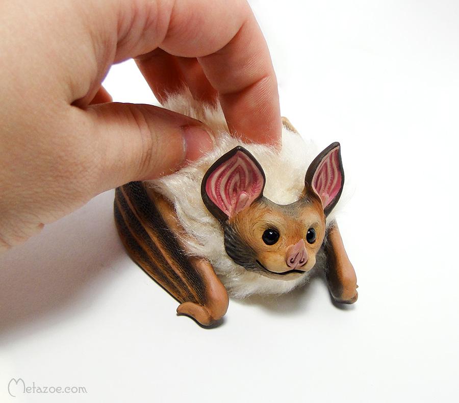 Fluffy bat by metazoe