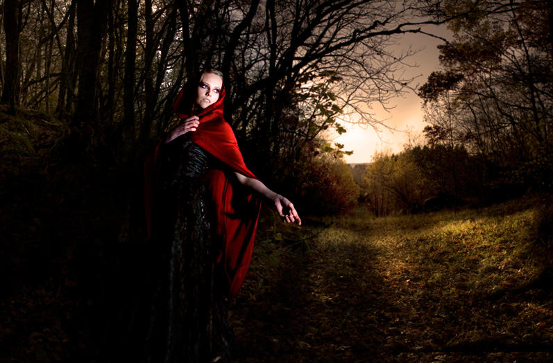 Little Red Ridinghood by emocored