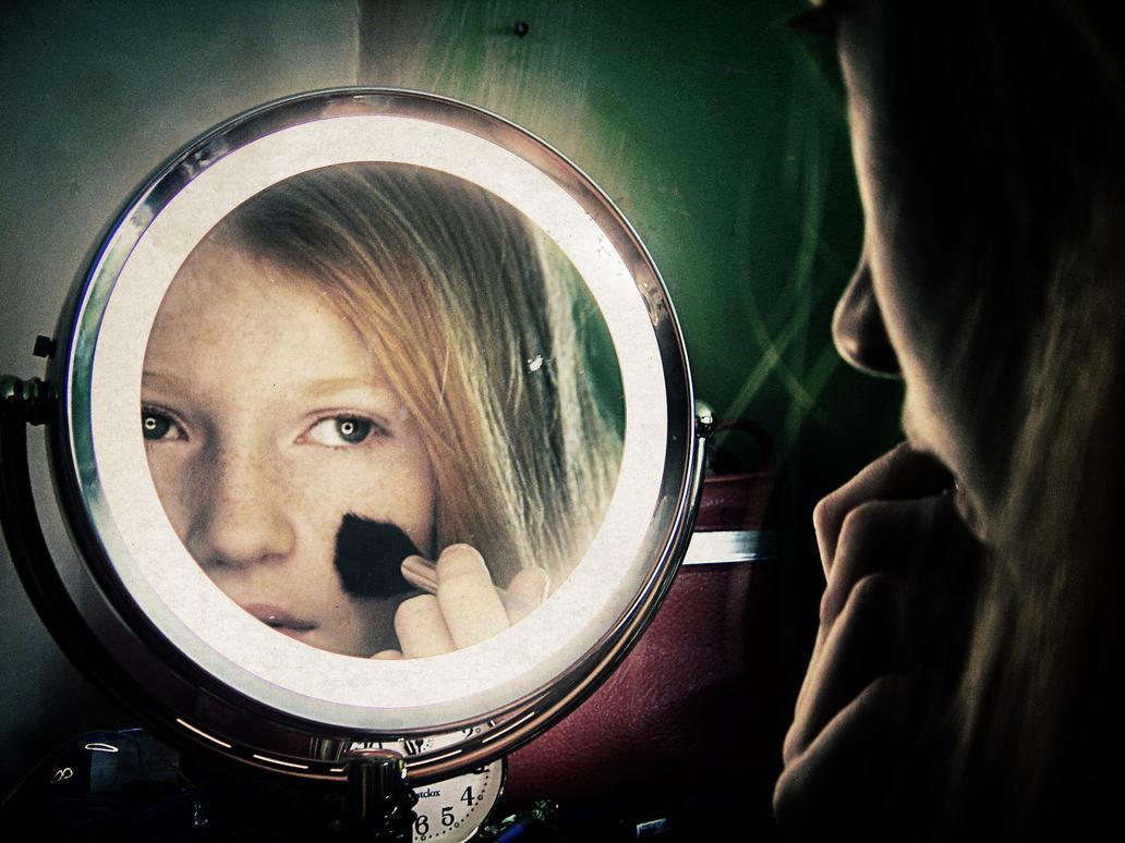 Mirror girl pics 17