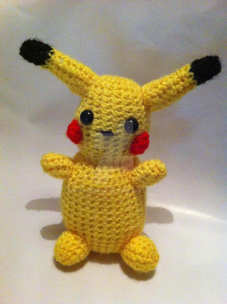 Pikachu Amigurumi by Pikacheekz