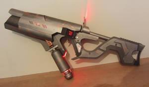 Predator style laser rifle by Anselmofanzero