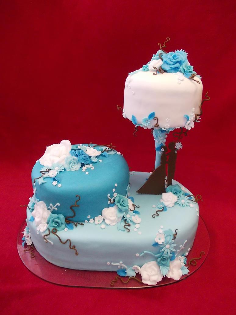 Blue wedding cake by Nydrli