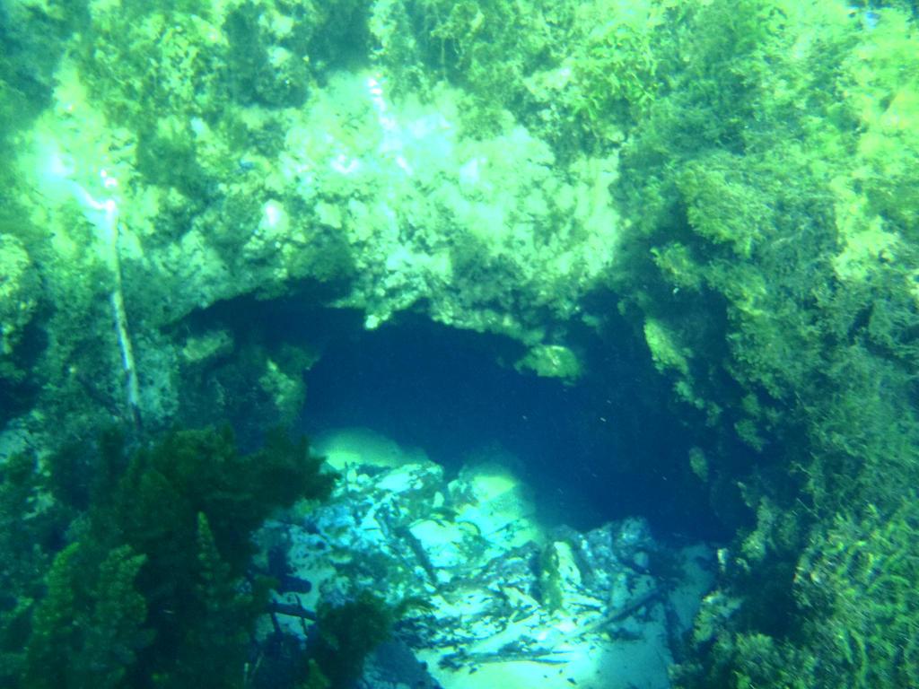 underwater cave by wolfingear on deviantART