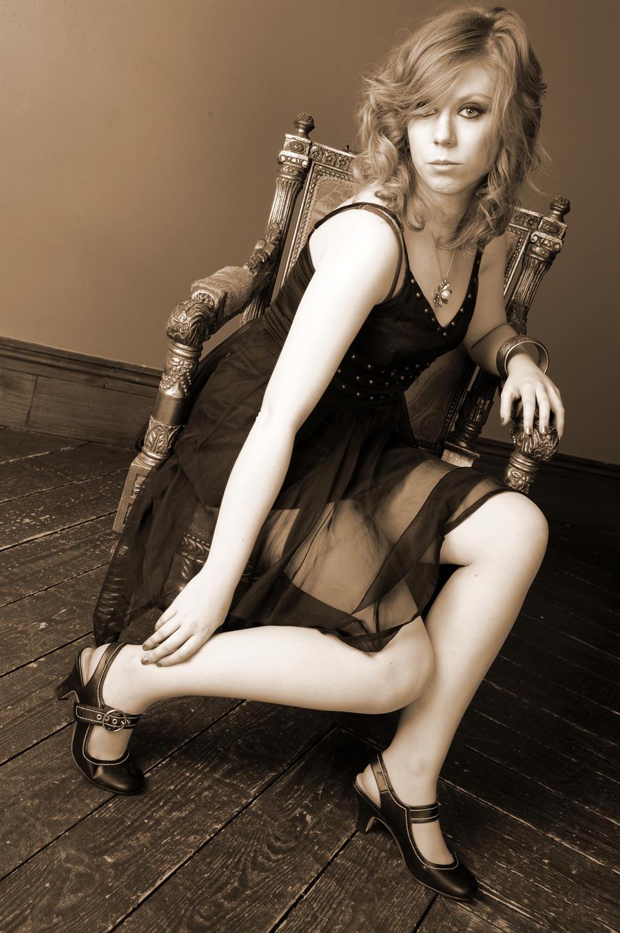 Izrazite svoja osecanja slikom My_royal_throne_by_mentyra-d4ebh4j
