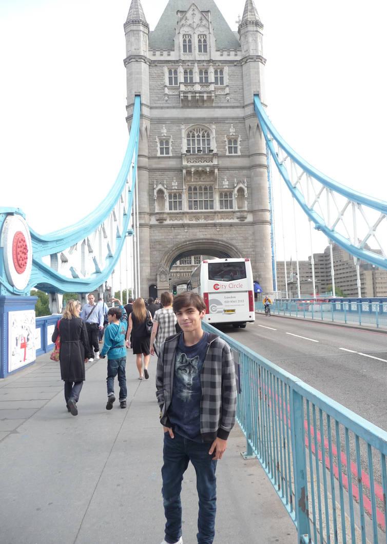 Meet me in London by wiggler94 on DeviantArt