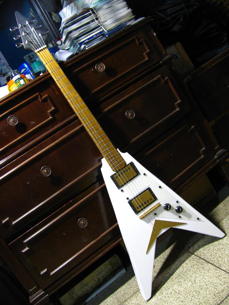 Sawa-chan Guitar Cosplay Prop by jorgeman10