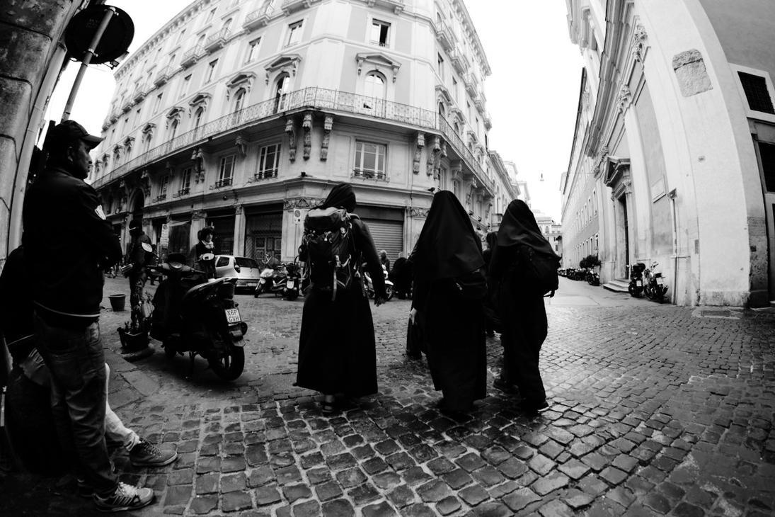 Nun walk by nicubunu
