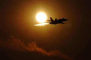 A jet in the sun by nicubunu