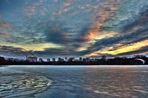 Ice and sky by nicubunu