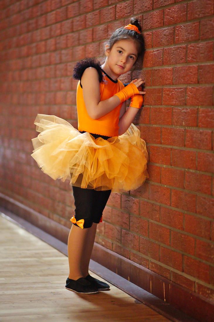 Resting ballerina by nicubunu