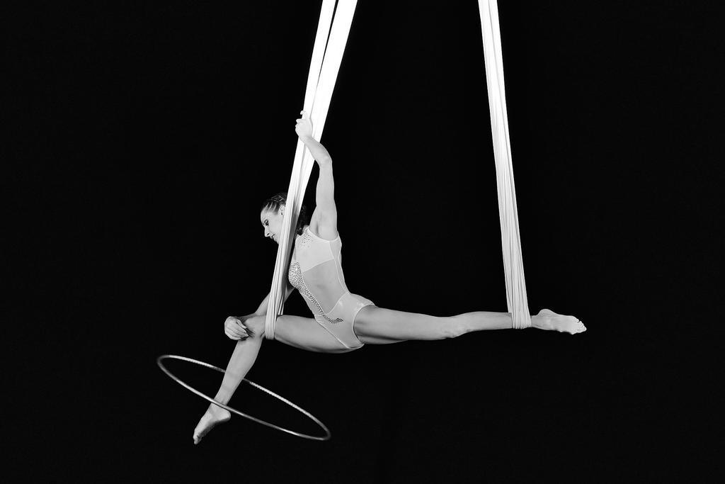 Acrobatics by nicubunu