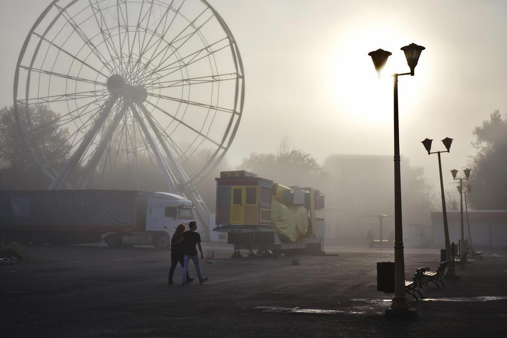 Amusement Park by nicubunu