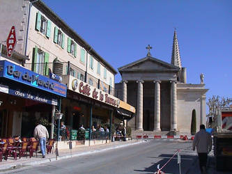Church and cafes, St Remy