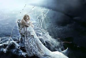 Last snowflake by JosefinaCS