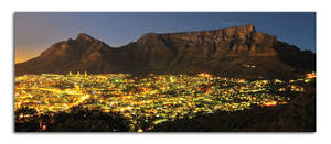 Table Mountain at night by Naude