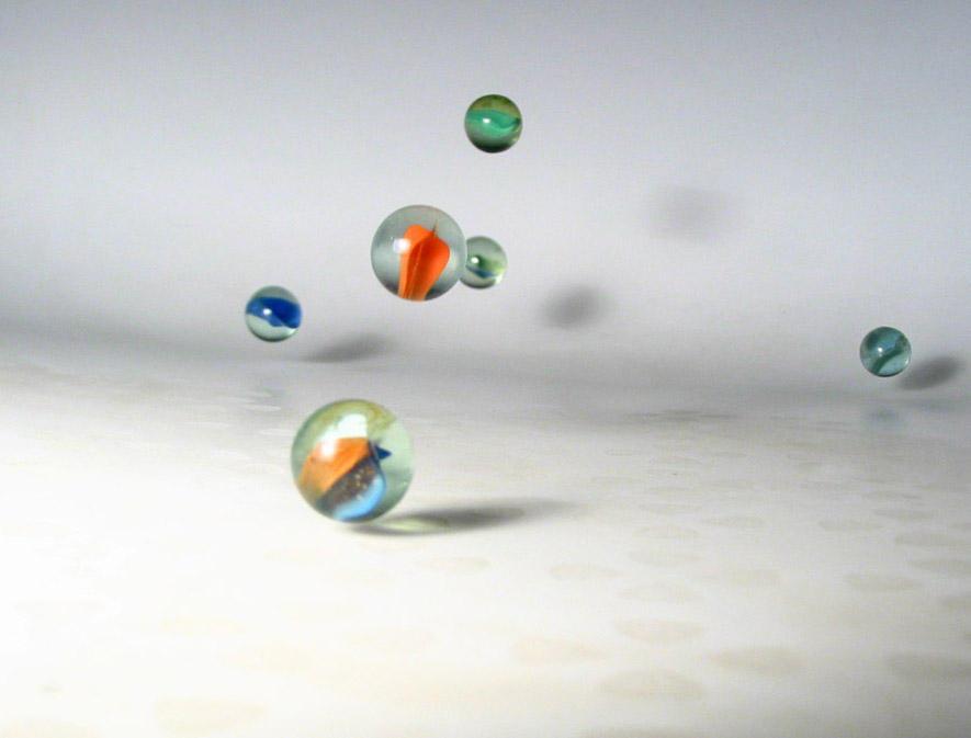 bouncing marbles in my bathtub by galifardeu