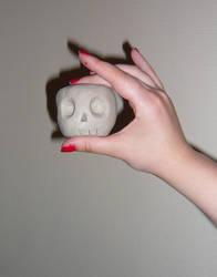 Cute skull-apple by gloomy-lullaby